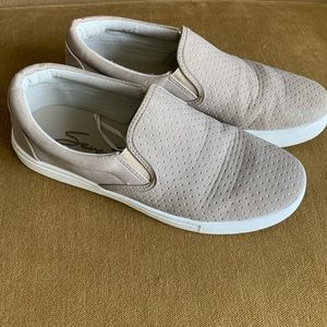 7 for all Mankind slip on beige shoes 9
